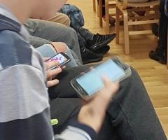3D par telefoniem